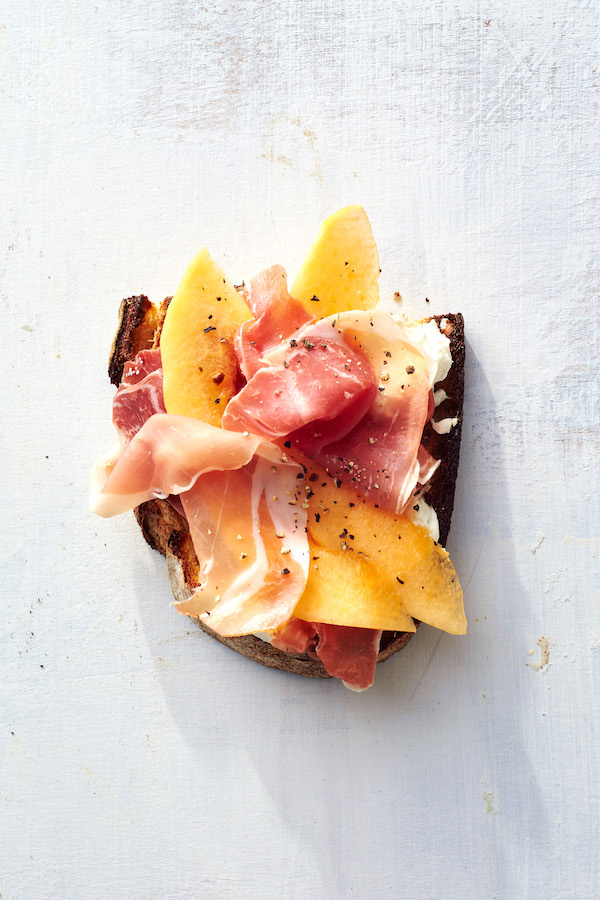 RECIPE: PROSCIUTTO & MELON TOAST on apartment 34