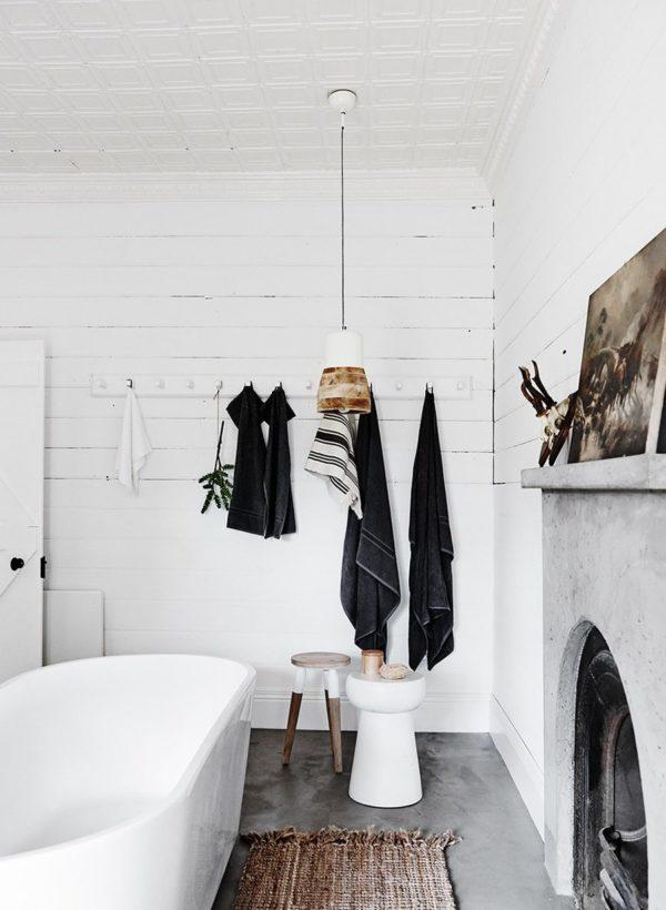 6 beautiful baths on apartment 34