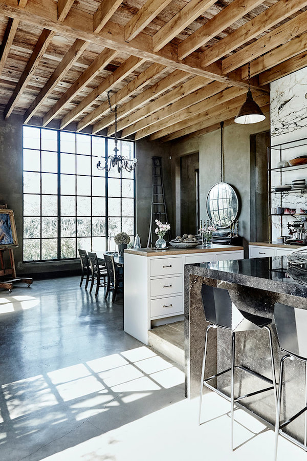 home tour: old world glamour in Venice Breach on apartment 34