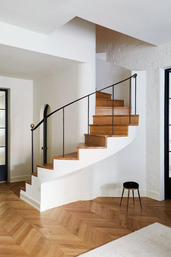 design trend: metal railings on apartment 34