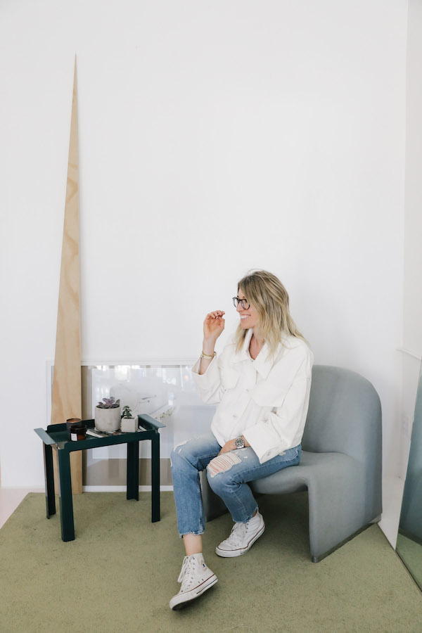 Why My Eyeglasses are My New Favorite Fall Accessory on apartment 34