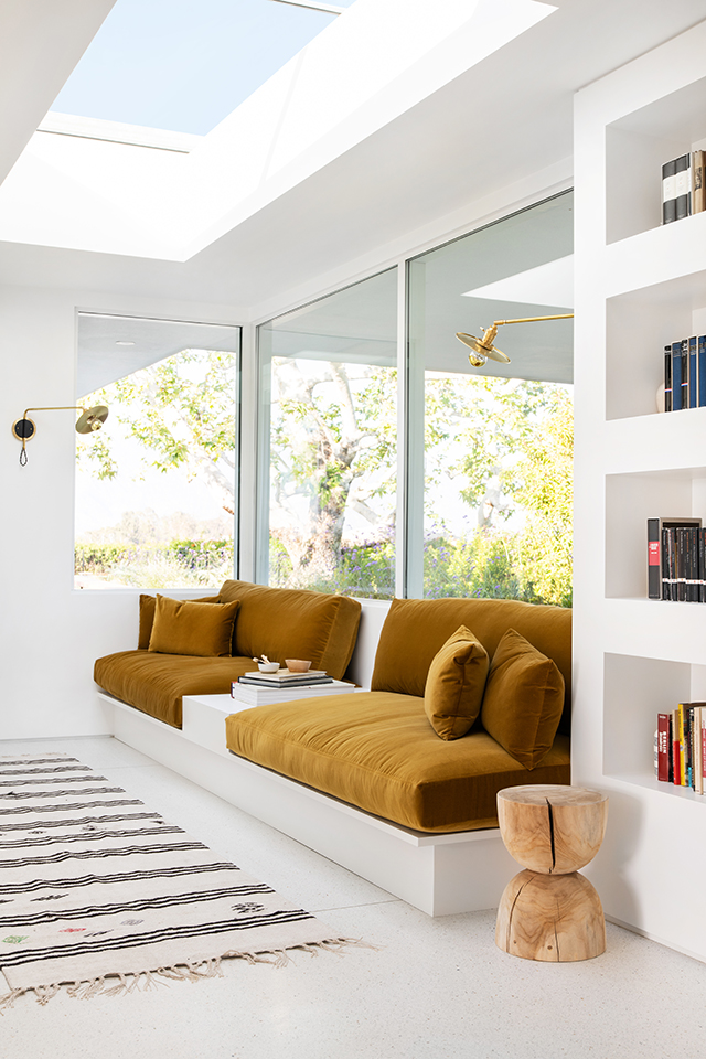 Idea To Steal Built In Sofas Apartment34