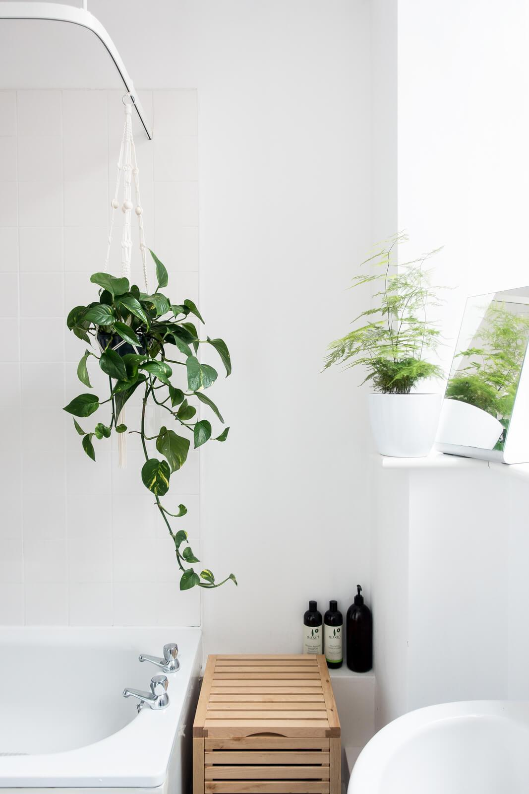 Five Easy Bathroom Updates on apartment 34