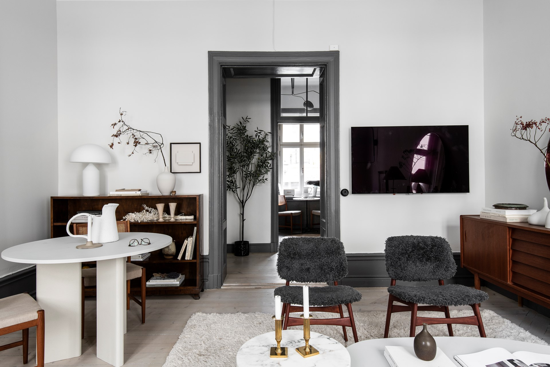 Home Tour: Elevated and Elegant Fall Vibe in Stockholm